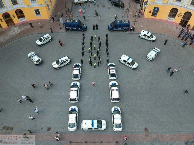 День вишиванки: в Одесі поліція осоромилася з привітанням - фото 327938