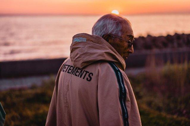 84-річний японець підкорив мережу своїм стилем (фото) - фото 328164