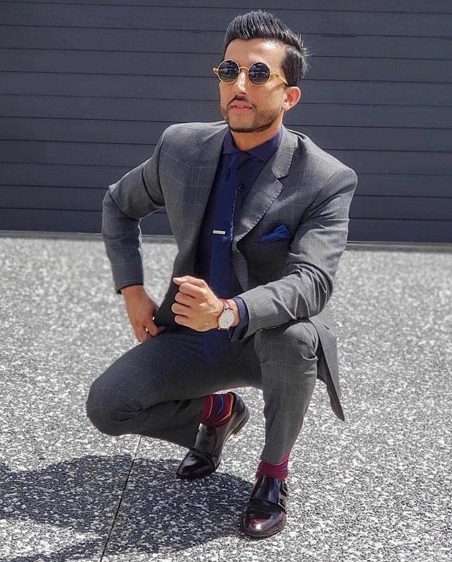 Як носити чоловічі сонцезахисні окуляри: правила етикету та трендові оправи - фото 329112