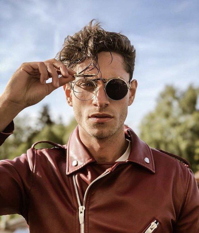 Як носити чоловічі окуляри - фото 329121
