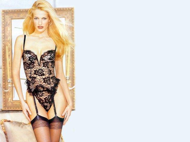 Моделі 90-х: як змінилася ангел Victoria's Secret Карен Мюлдер (18+) - фото 329151