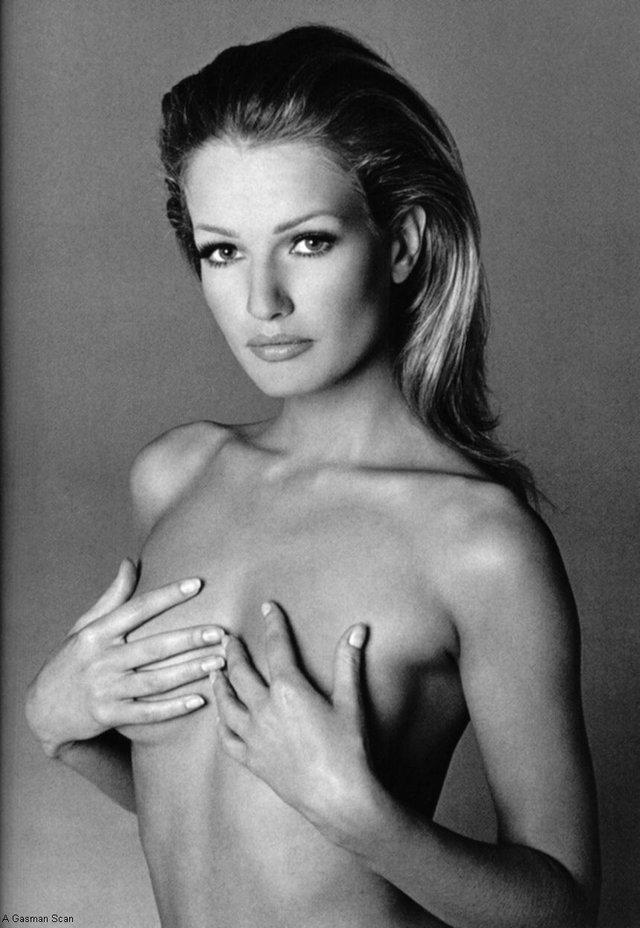 Моделі 90-х: як змінилася ангел Victoria's Secret Карен Мюлдер (18+) - фото 329156