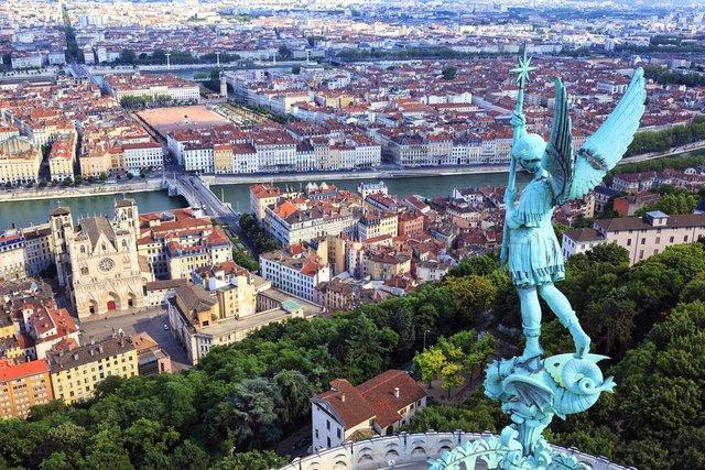Названо найкращий туристичний напрямок Європи на літо 2019 року - фото 329430