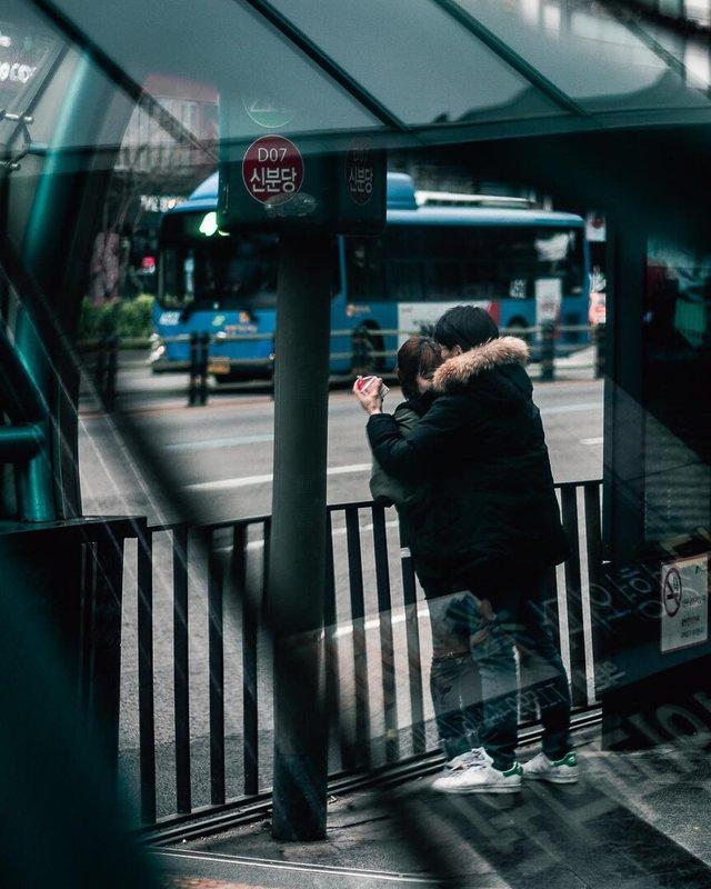 Життя у Сеулі: вуличні фото, які приковують погляд - фото 329452