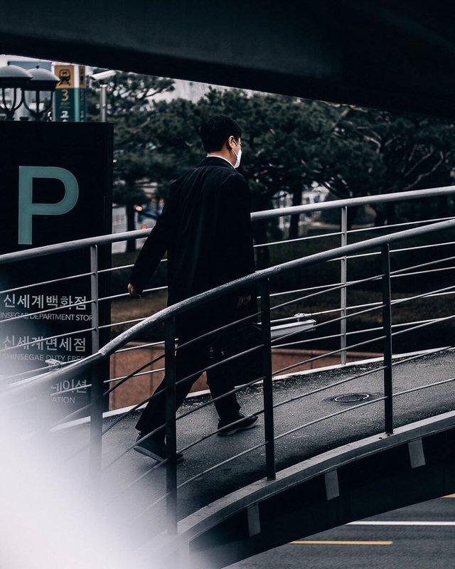 Життя у Сеулі: вуличні фото, які приковують погляд - фото 329455