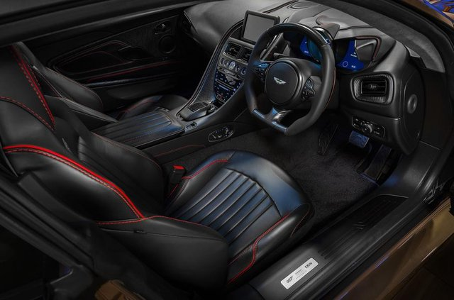 Ексклюзивне авто Джеймса Бонда: Aston Martin показав DBS Superleggera - фото 329469