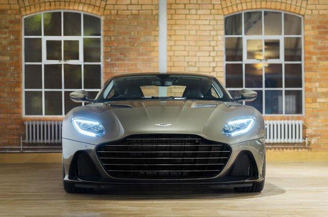 Ексклюзивне авто Джеймса Бонда: Aston Martin показав DBS Superleggera - фото 329470