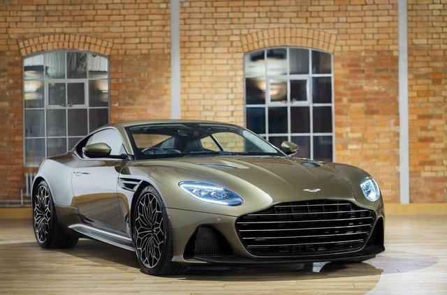 Ексклюзивне авто Джеймса Бонда: Aston Martin показав DBS Superleggera - фото 329473