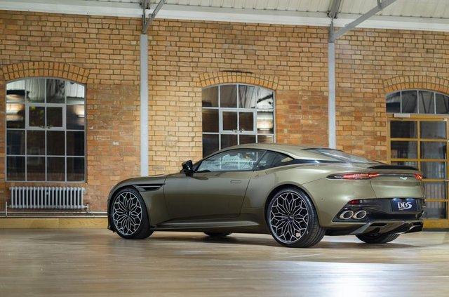 Ексклюзивне авто Джеймса Бонда: Aston Martin показав DBS Superleggera - фото 329474