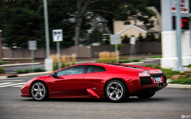 З-поміж конфіскату буде  Lamborghini Murcielago - фото 329801