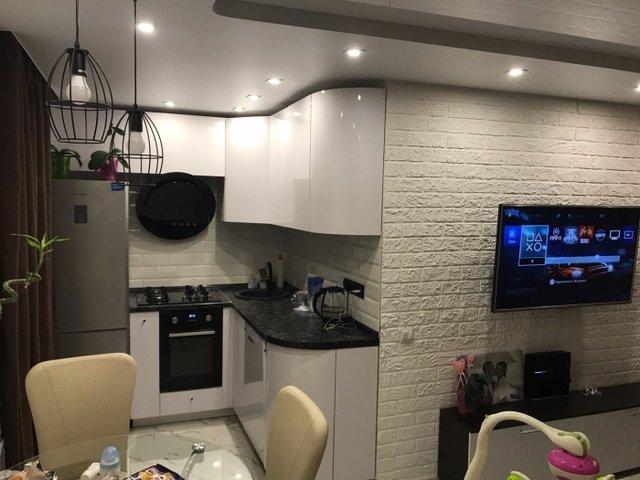 Хлопець перетворив хрущовку на шикарну квартиру-студію - фото 330224