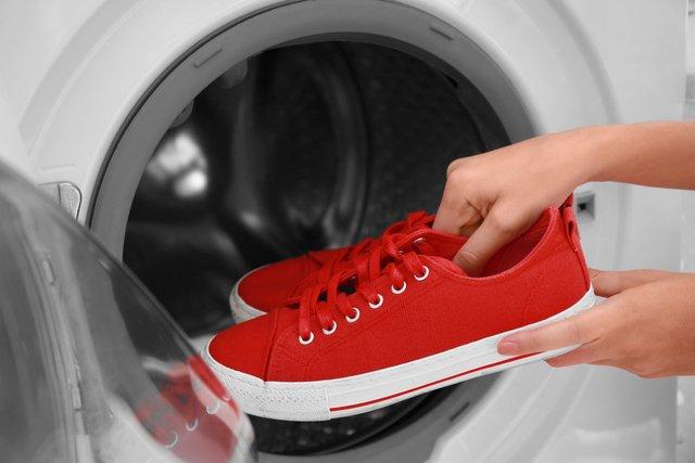 Як прати взуття  - фото 330240