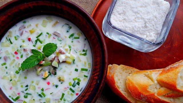 Окрошка на кефірі: рецепт холодного супу - фото 330400