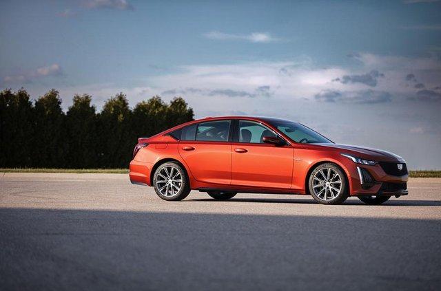 Cadillac представив два 'заряджені' седани - фото 331184