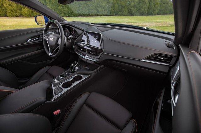 Cadillac представив два 'заряджені' седани - фото 331185