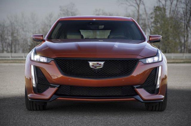 Cadillac представив два 'заряджені' седани - фото 331186