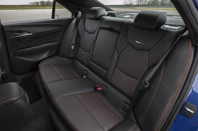 Cadillac представив два 'заряджені' седани - фото 331188