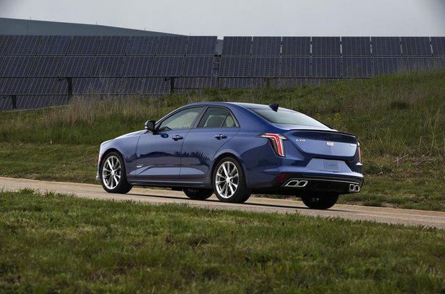 Cadillac представив два 'заряджені' седани - фото 331189
