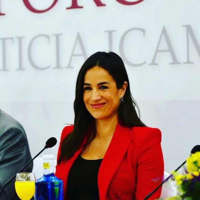 В Іспанії знайшли двійника Меган Маркл: ажіотаж в мережі - фото 331275