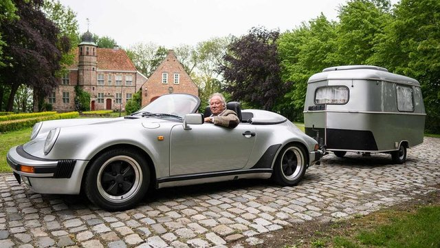 Тягач на мільйон: німець подорожує у фургончику, який везе Porsche 911 Speedster - фото 331434