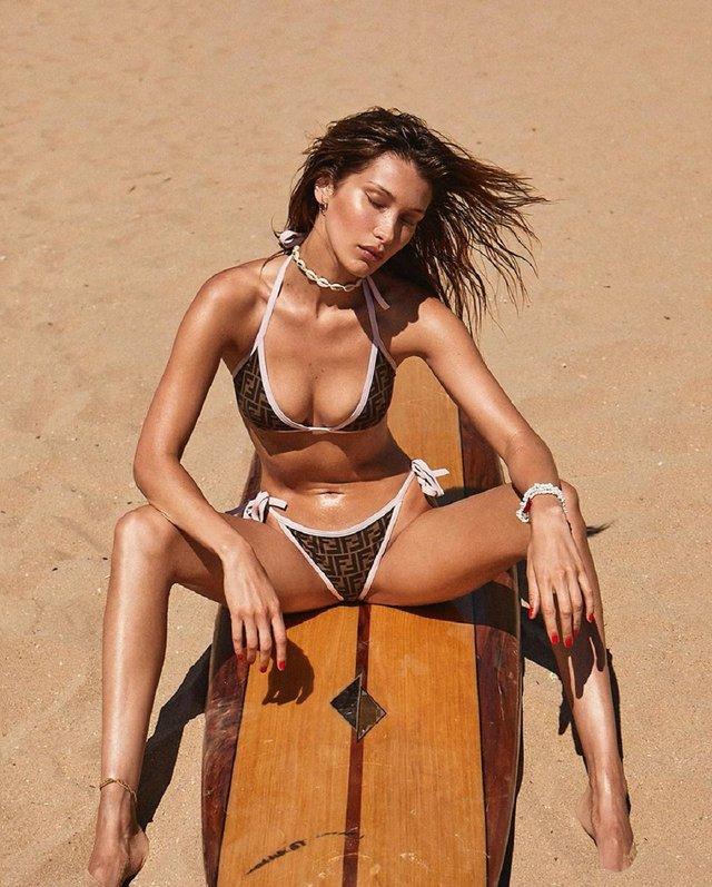 Зваблива Белла Хадід здивувала фото у купальнику - фото 331495