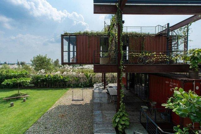 Як виглядає сучасний дім з вантажних контейнерів: яскраві фото - фото 331511