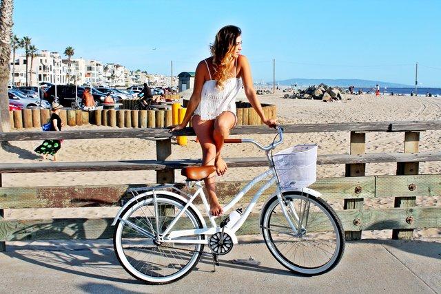 Жінкам рекомендують кататися на велосипеді - фото 331603
