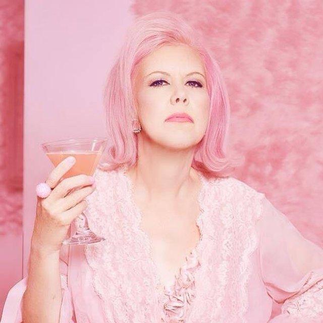 Рожеве життя: американка-барбі підкорює мережу - фото 331834