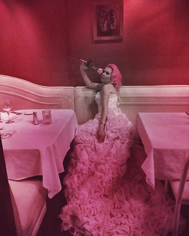 Рожеве життя: американка-барбі підкорює мережу - фото 331835
