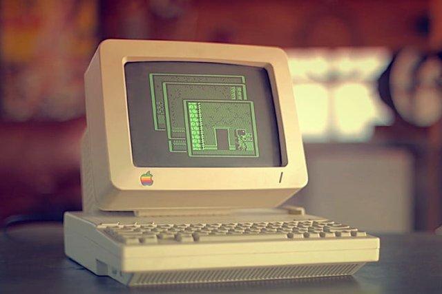 Почали продавати перший комп'ютер Apple II - фото 331894