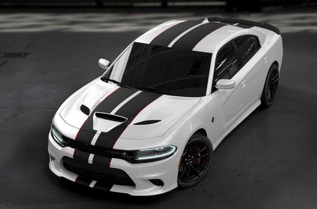 Dodge випустив 'похмуру' версію седана Charger SRT Hellcat - фото 332111
