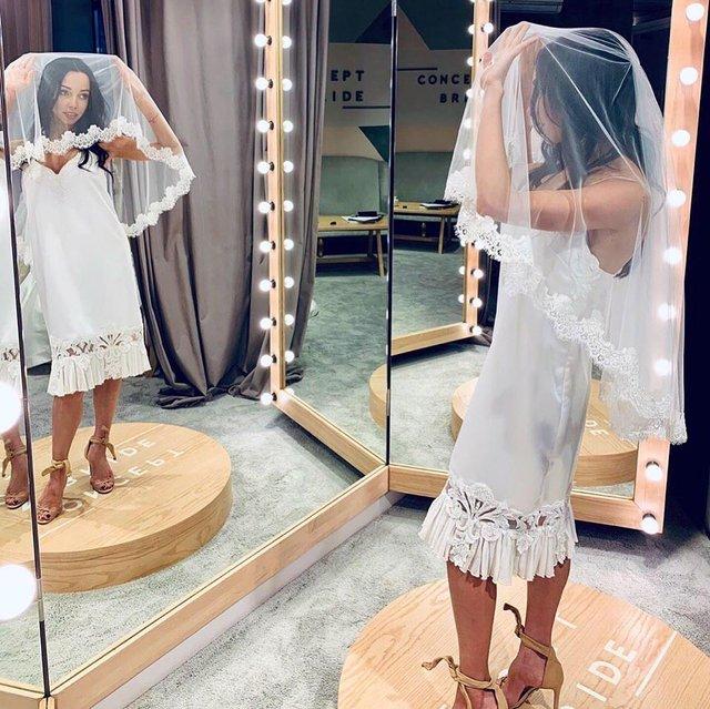 Катерина Кухар показала себе у весільній сукні - фото 332318