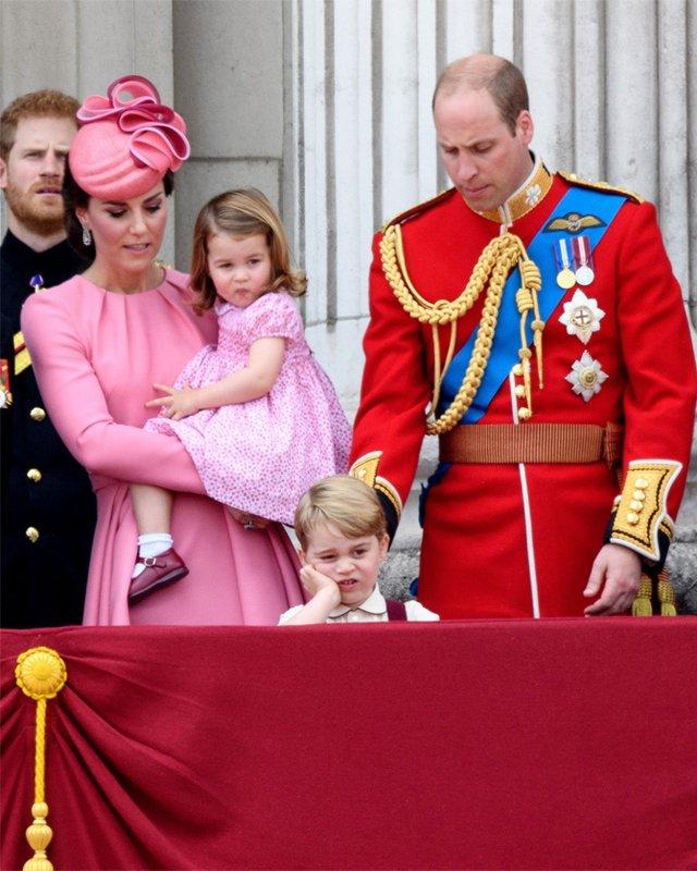 А от і легендарне фото принца Джорджа - фото 332424