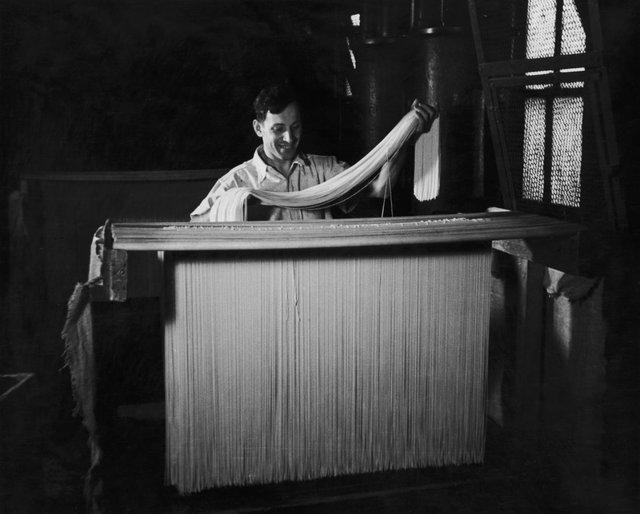 Як у ХХ столітті робили пасту: ретрокадри - фото 332584
