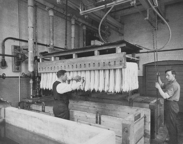 Як у ХХ столітті робили пасту: ретрокадри - фото 332588