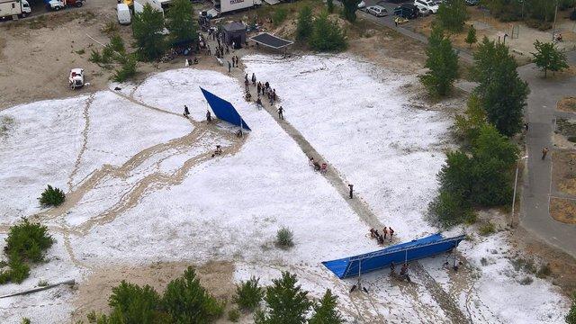 У мережі показали, як знімали сцену з Чорнобиля на Троєщині - фото 332614