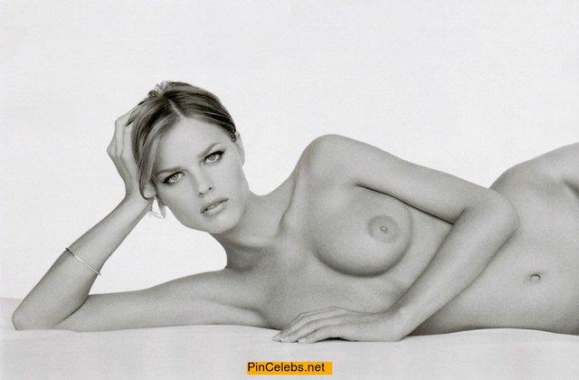 Моделі 90-х: як змінилася найсексуальніша чешка Єва Герцигова (18+) - фото 332682