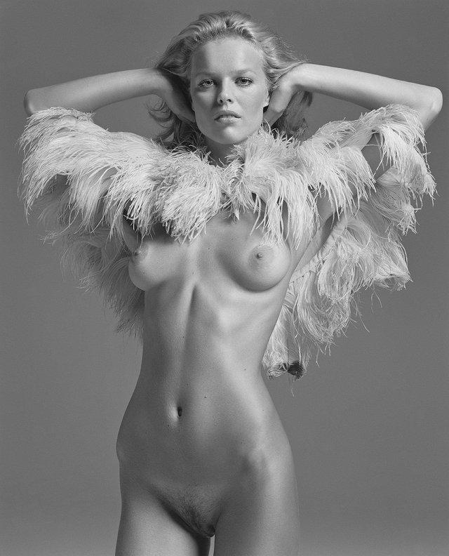 Моделі 90-х: як змінилася найсексуальніша чешка Єва Герцигова (18+) - фото 332687