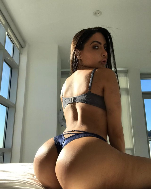 Дівчина тижня: гаряча та розкута латиноамериканська порнозірка Ліла Стар (18+) - фото 333022