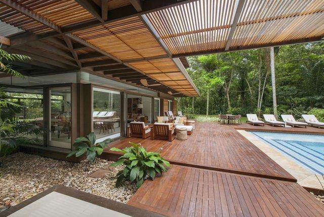 Архітектори створили розкішну тропічну віллу в Бразилії: фото - фото 333471