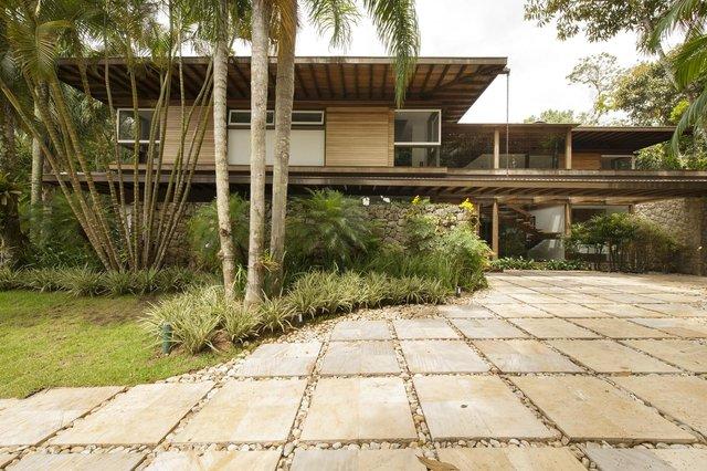Архітектори створили розкішну тропічну віллу в Бразилії: фото - фото 333474