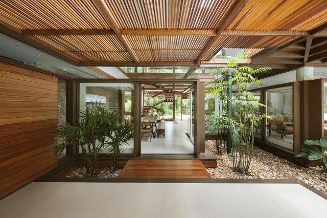 Архітектори створили розкішну тропічну віллу в Бразилії: фото - фото 333477