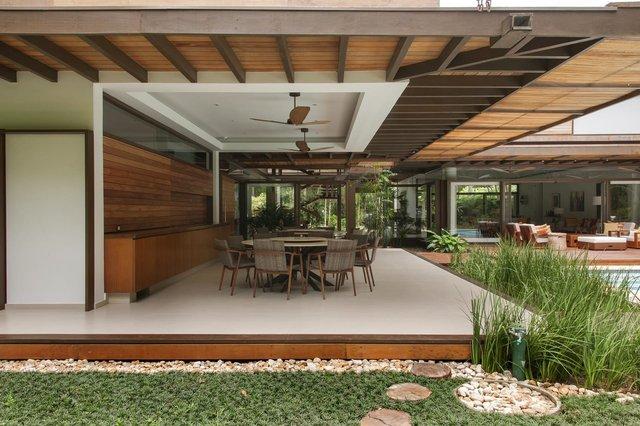 Архітектори створили розкішну тропічну віллу в Бразилії: фото - фото 333483