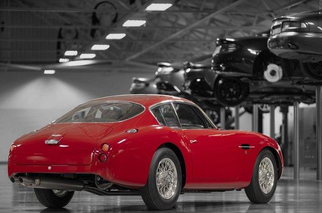 Aston Martin показав свій найдорожчий автомобіль - фото 333485