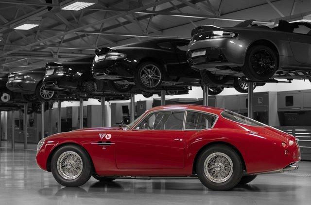 Aston Martin показав свій найдорожчий автомобіль - фото 333489