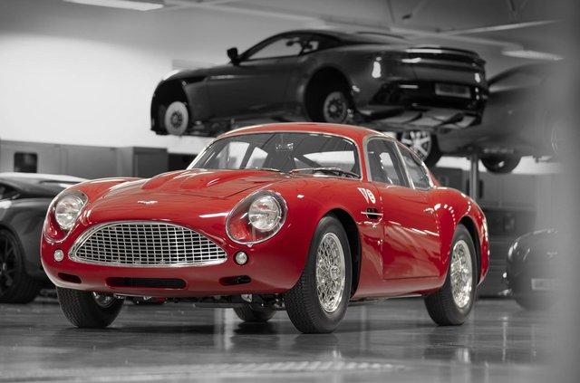 Aston Martin показав свій найдорожчий автомобіль - фото 333490