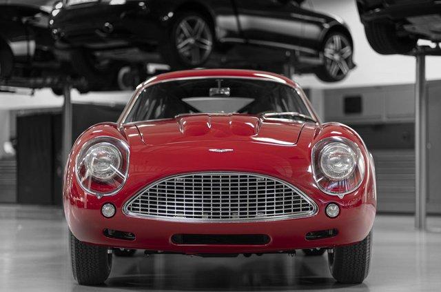 Aston Martin показав свій найдорожчий автомобіль - фото 333495