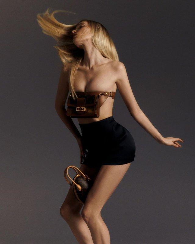 Сексуальна модель Ельза Хоск знялася напівоголеною: пікантні фото (18+) - фото 333499