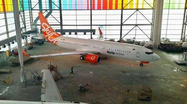 Суд призупинив ліцензію SkyUp Airlines - фото 333683