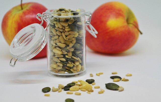 Смажене гарбузове насіння легко приготувати - фото 333761